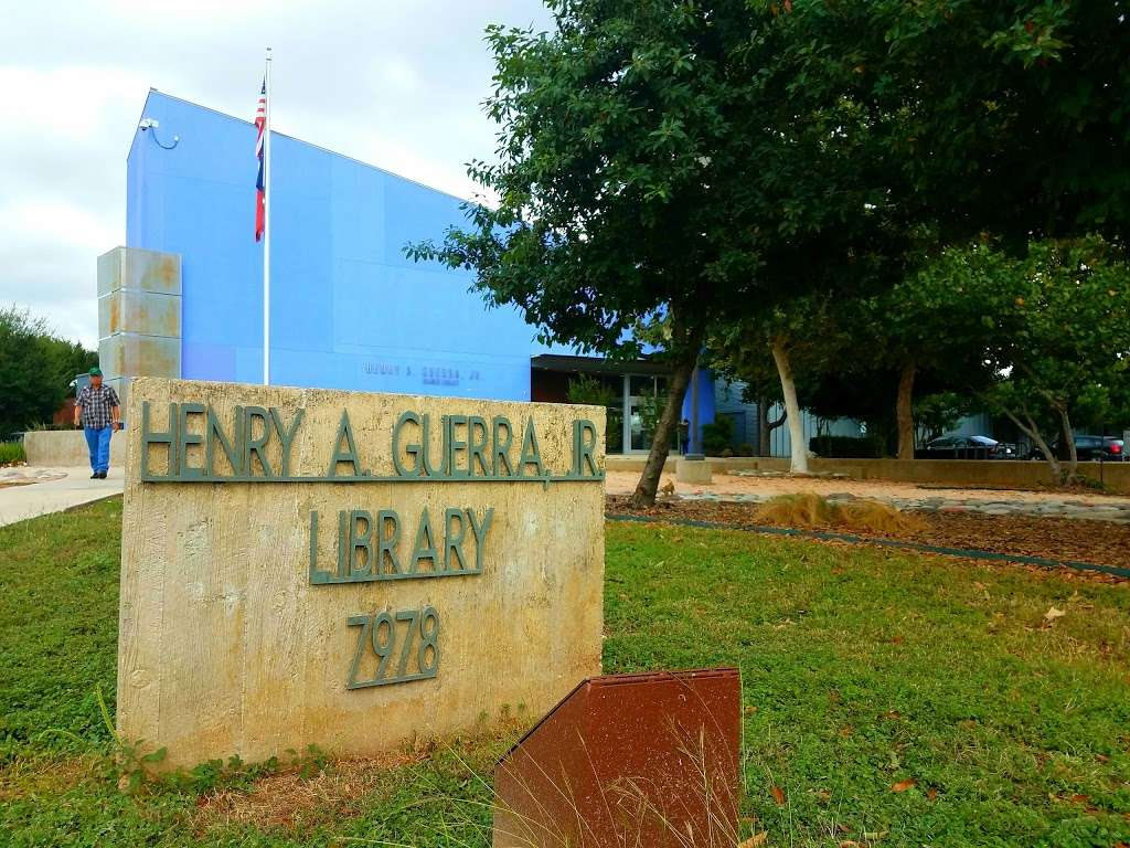 Henry Guerra Library - library  | Photo 3 of 9 | Address: 7978 W Military Dr, San Antonio, TX 78227, USA | Phone: (210) 207-9070