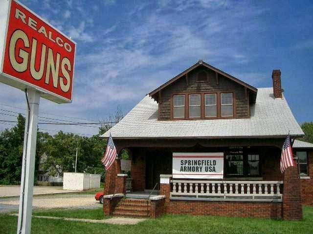 Realco Guns - store  | Photo 1 of 1 | Address: 6108 Marlboro Pike, District Heights, MD 20747, USA | Phone: (301) 736-9800