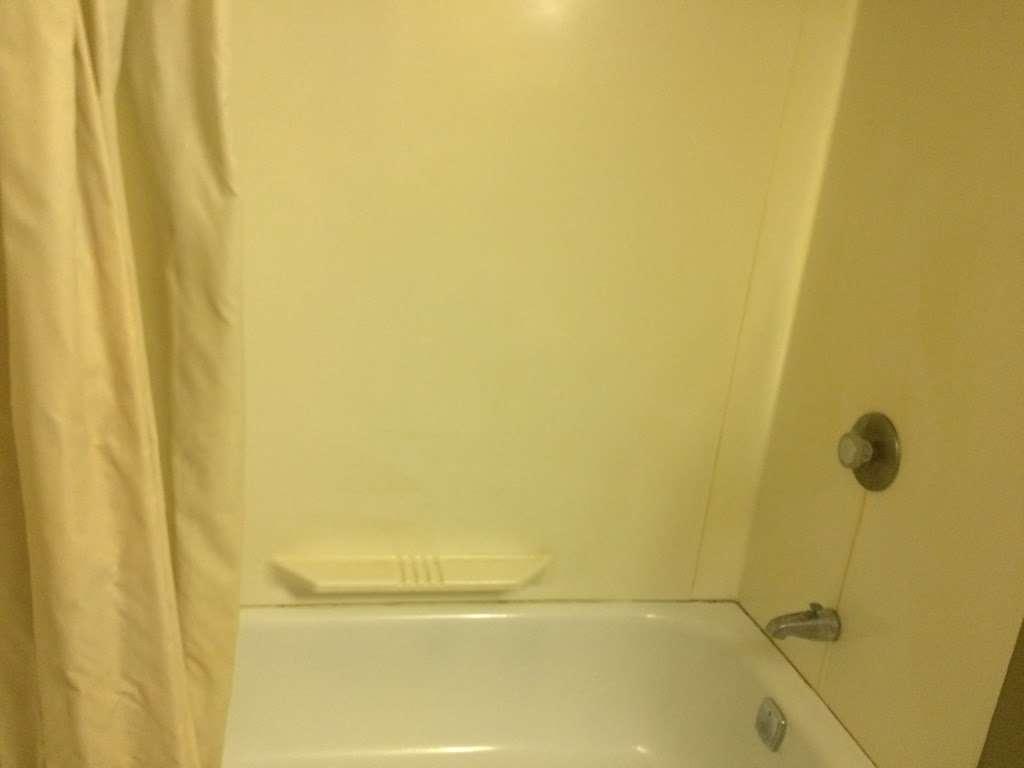 US 30 Motel - lodging  | Photo 10 of 10 | Address: 9716, 1776 US-30, Oswego, IL 60543, USA | Phone: (630) 554-1120