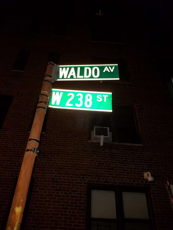 Goodfellas - meal delivery    Photo 10 of 10   Address: 3661 Waldo Ave, Bronx, NY 10463, USA   Phone: (718) 796-4747