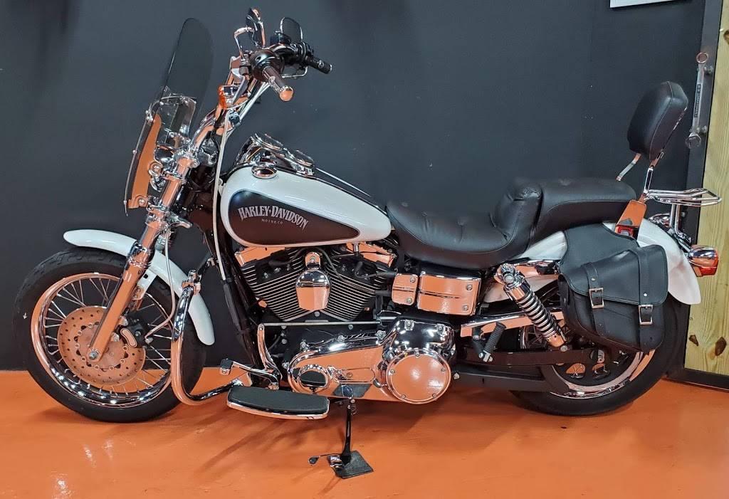 Central Moto - store  | Photo 5 of 9 | Address: 351 NE 79th St #102, Miami, FL 33138, USA | Phone: (786) 506-6061