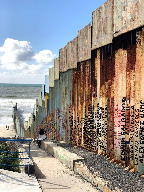 El Muro en la Playa, Tijuana - museum  | Photo 5 of 10 | Address: Faro, Monumental, Tijuana, B.C.