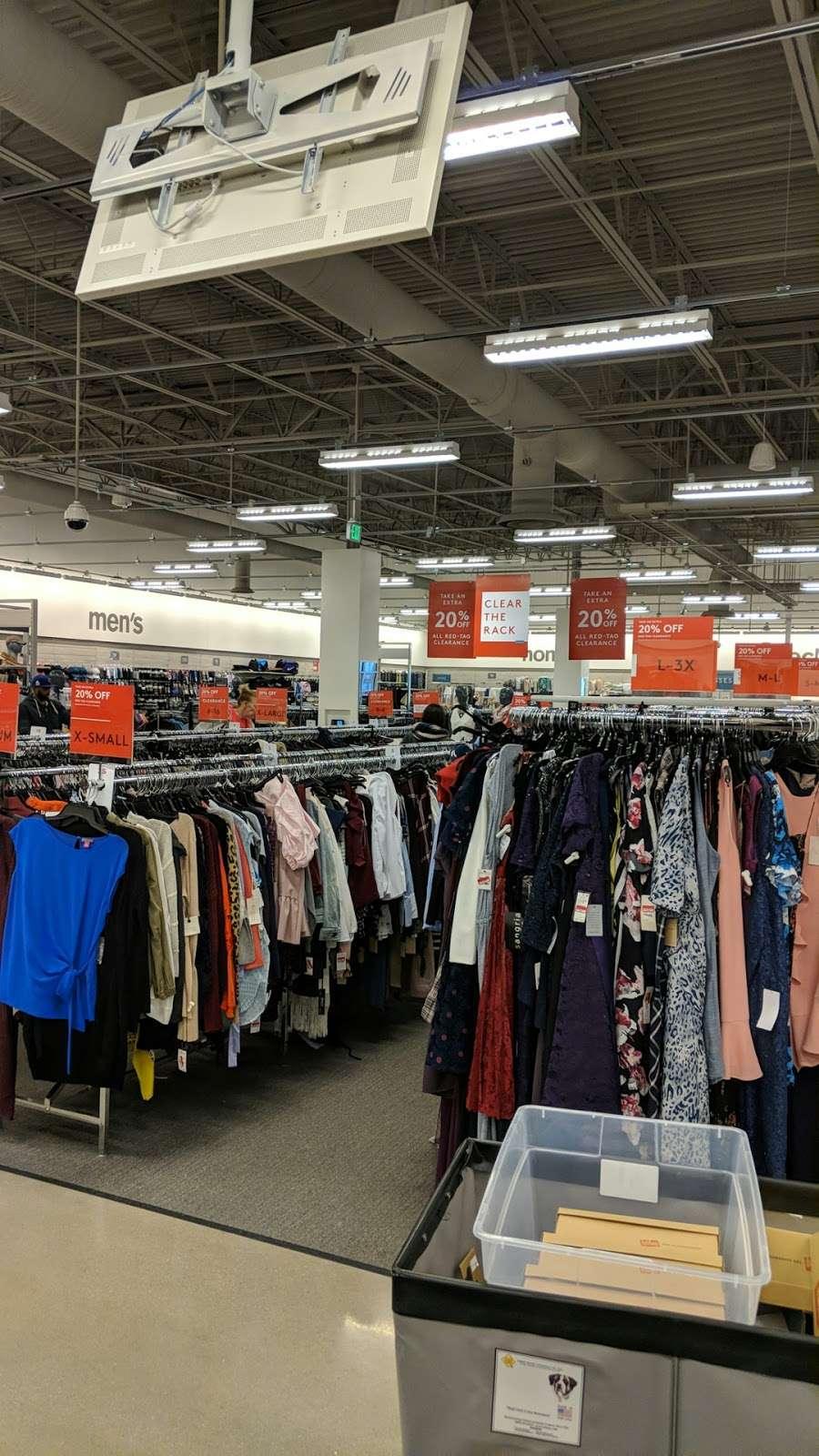 Nordstrom Rack Schererville - clothing store  | Photo 4 of 10 | Address: 185 US-41, Schererville, IN 46375, USA | Phone: (219) 227-3960
