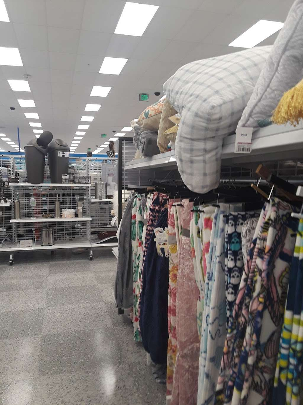 Ross Dress for Less - clothing store  | Photo 7 of 10 | Address: 6545 Spring Stuebner Rd, Spring, TX 77379, USA | Phone: (281) 370-0389