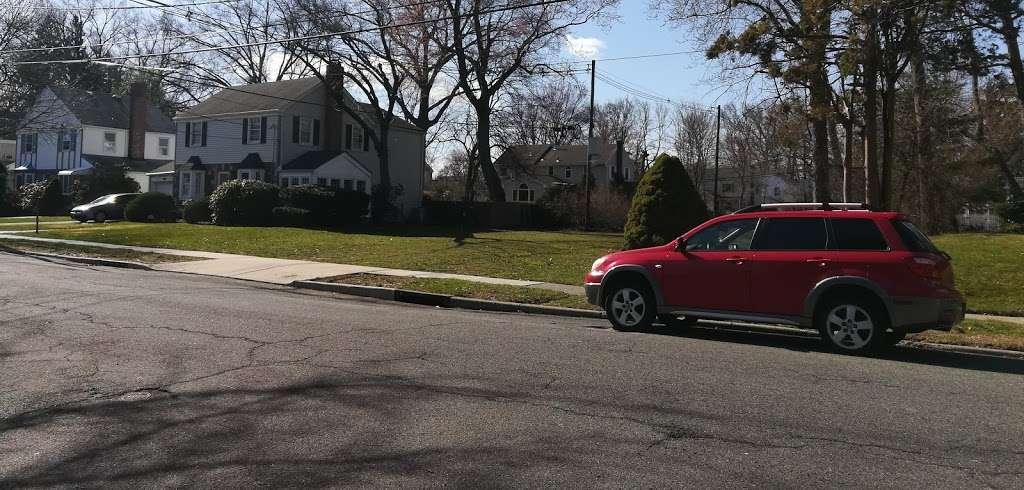 Brookside Park - park  | Photo 5 of 6 | Address: 160 Greenway Terrace, River Edge, NJ 07661, USA