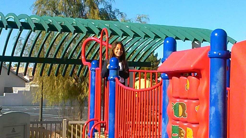 Desert Horizons Park - park  | Photo 7 of 10 | Address: 3750 Simmons Street,, North Las Vegas, NV 89032, USA | Phone: (702) 633-1171