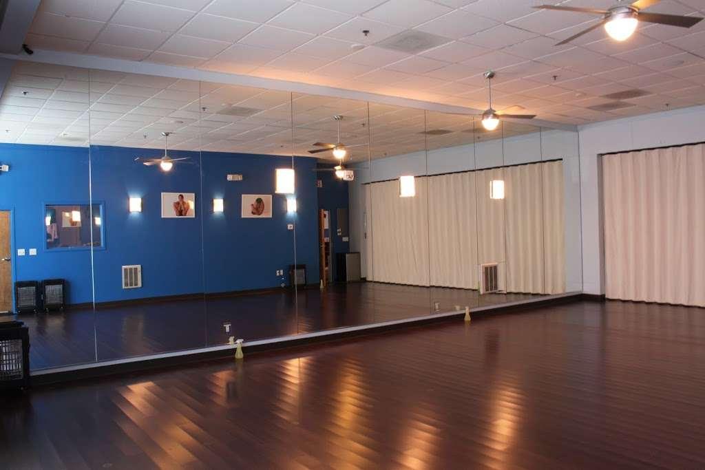 Y2 Yoga - gym  | Photo 3 of 10 | Address: 274 S Sharon Amity Rd #1, Charlotte, NC 28211, USA | Phone: (704) 456-9642