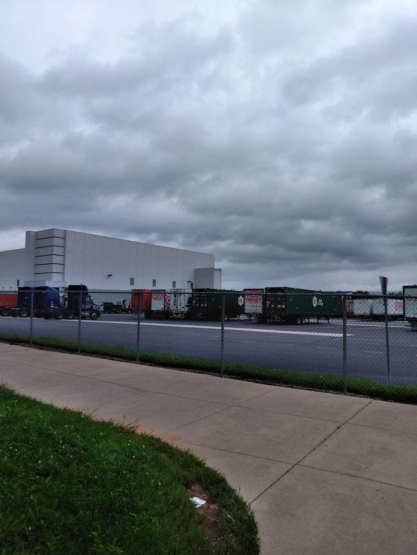 National Freight Inc - storage  | Photo 1 of 5 | Address: 910 Nestle Way, Breinigsville, PA 18031, USA | Phone: (610) 391-0653
