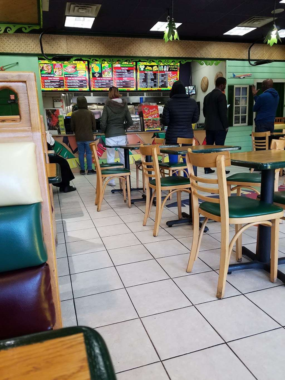 de Islands - restaurant  | Photo 9 of 10 | Address: 8203 Flatlands Ave, Brooklyn, NY 11236, USA | Phone: (718) 241-3609