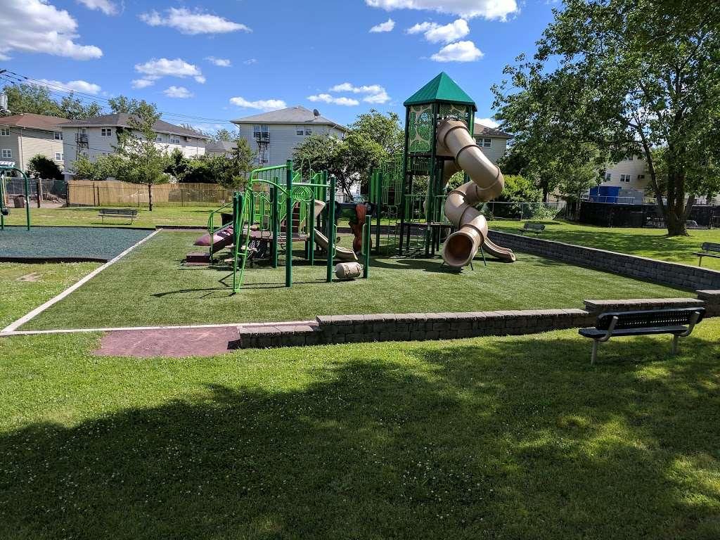 Acorn Park - park  | Photo 5 of 9 | Address: 1199 Farm Rd, Secaucus, NJ 07094, USA