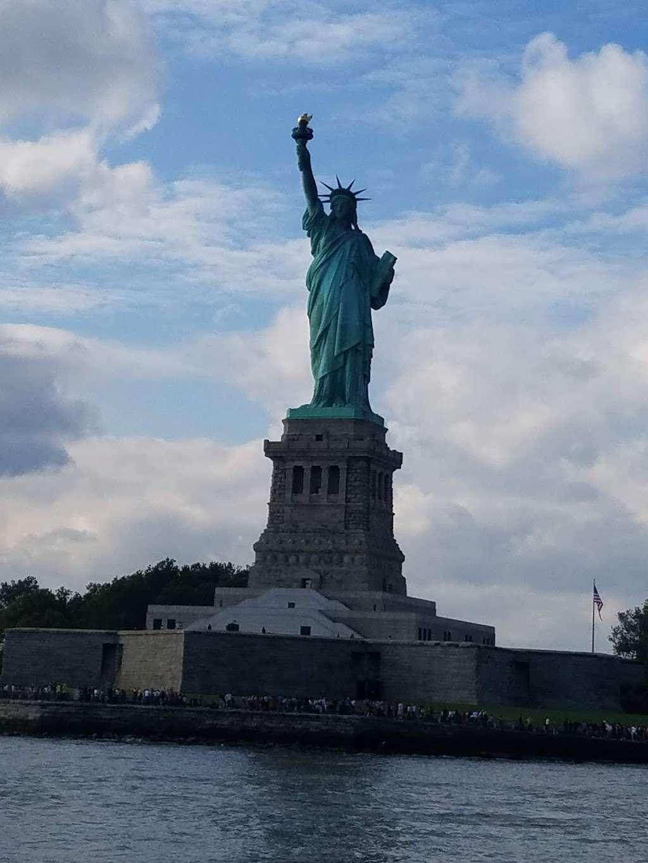 Audio Tour Kiosk - travel agency  | Photo 4 of 10 | Address: Brooklyn, NY 11231, USA | Phone: (212) 363-3180