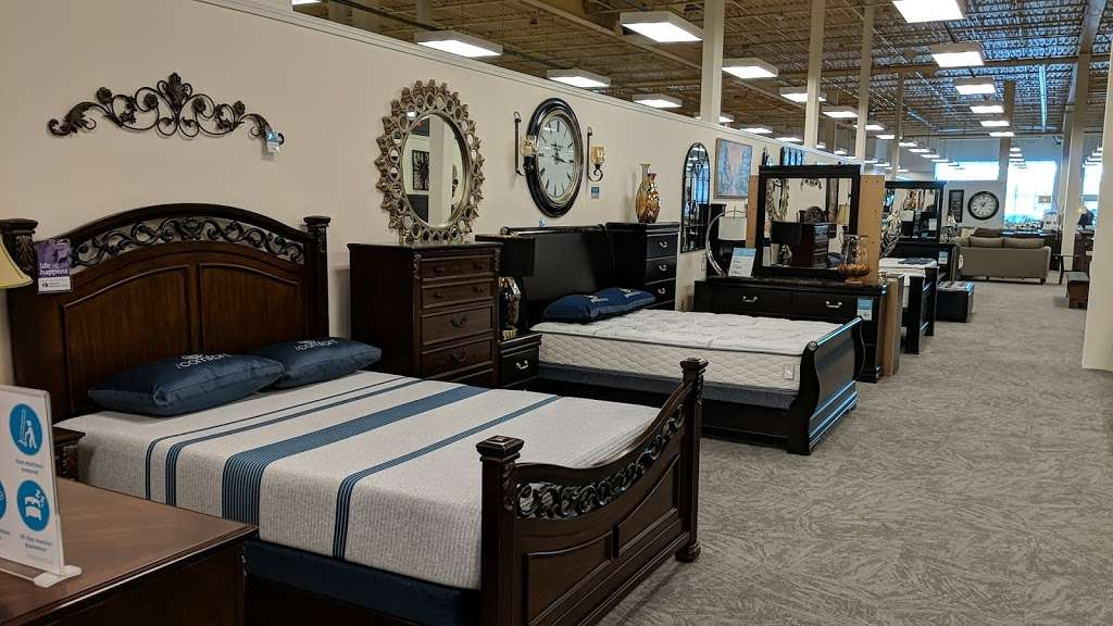 Raymour & Flanigan Furniture and Mattress Outlet - furniture store    Photo 10 of 10   Address: 7 Route 9 S, Manalapan, NJ 07726, USA   Phone: (732) 252-1980