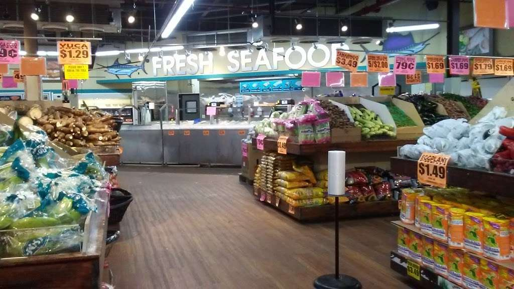 Freshway Supermarket (Formerly Food Universe) - supermarket  | Photo 4 of 10 | Address: 375 Tompkins Ave, Staten Island, NY 10305, USA | Phone: (718) 815-1234