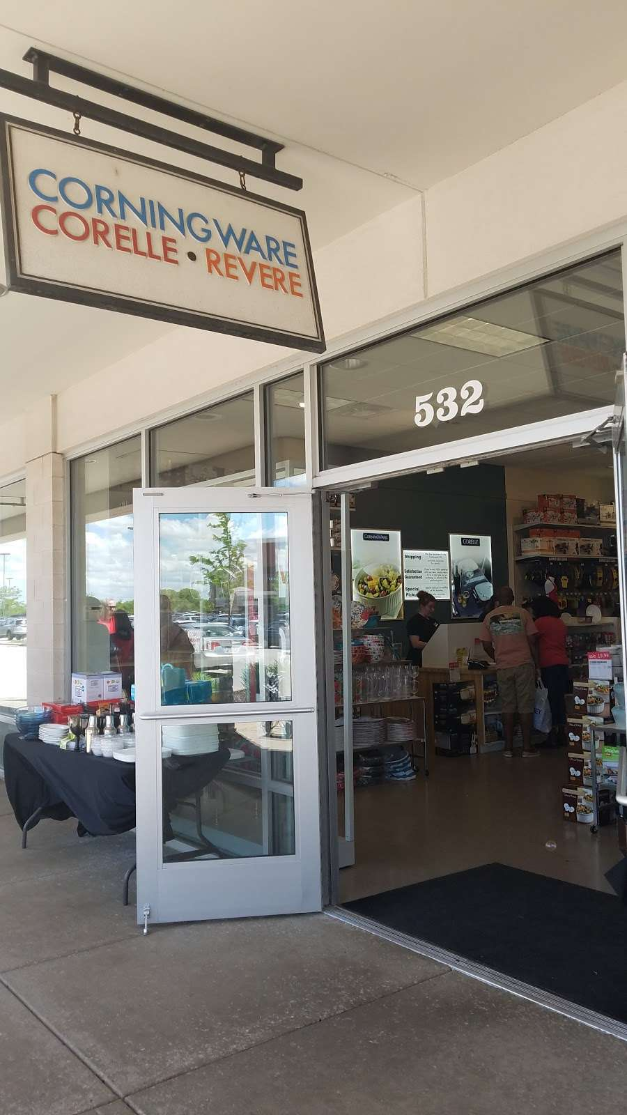 Corningware, Corelle & More - furniture store  | Photo 3 of 5 | Address: 11601 120th Ave #532, Pleasant Prairie, WI 53158, USA | Phone: (262) 857-7949