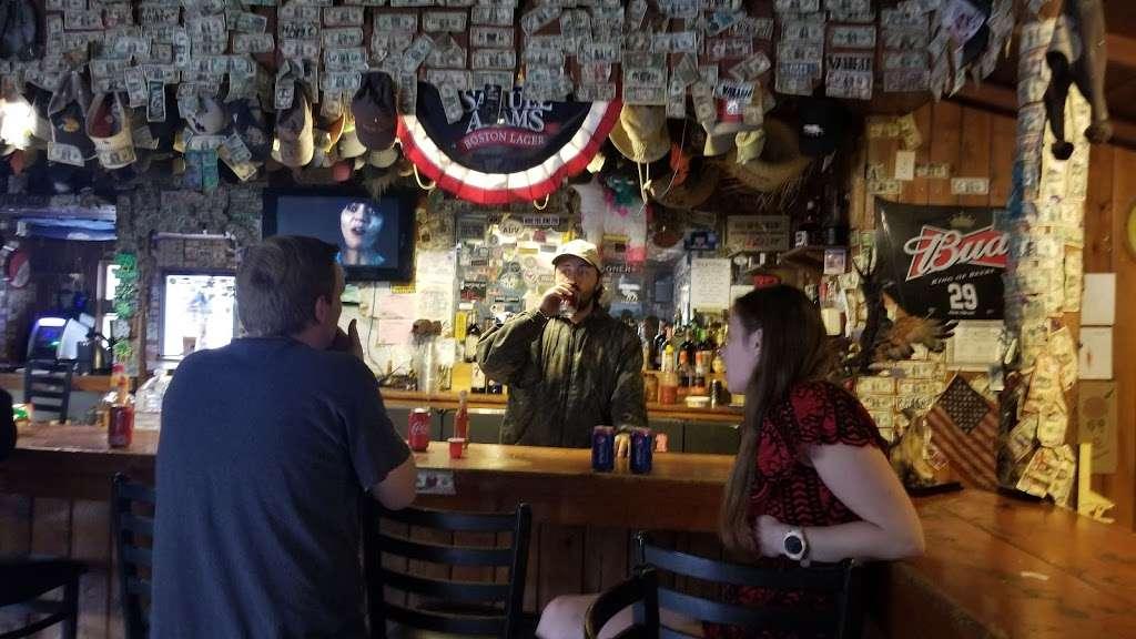 Reyes Creek Bar and Grill - restaurant  | Photo 6 of 10 | Address: 26905 Camp Scheideck Rd, Maricopa, CA 93252, USA | Phone: (805) 232-8007