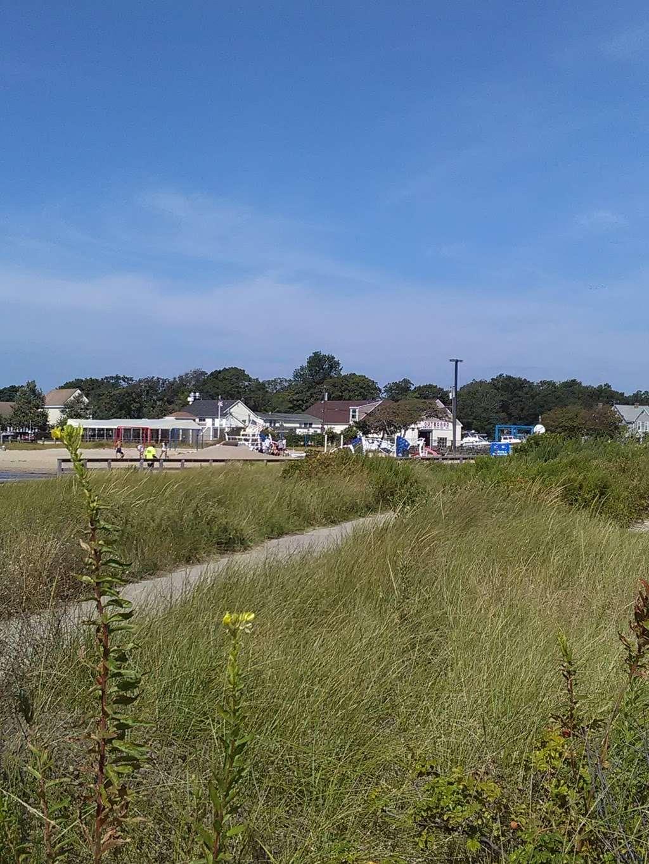 Shipwreck Cove Spray Park - park  | Photo 6 of 10 | Address: S Clinton Ave, Bay Shore, NY 11706, USA | Phone: (631) 224-5404