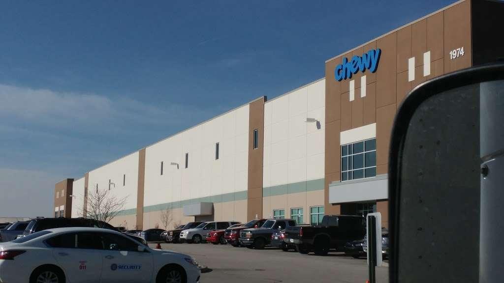 Chewy.com - storage  | Photo 6 of 10 | Address: 1974 Innovation Blvd, Clayton, IN 46118, USA | Phone: (800) 672-4399