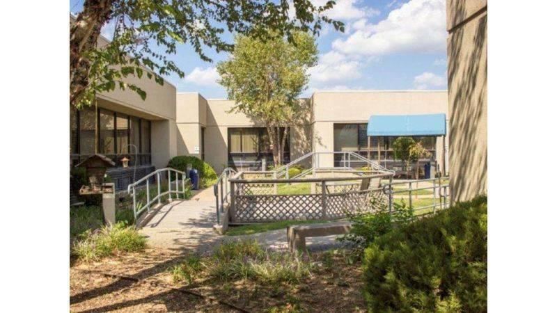 PAM Specialty Hospital of Tulsa - hospital  | Photo 3 of 7 | Address: 3219 S 79th E Ave, Tulsa, OK 74145, USA | Phone: (918) 663-8183