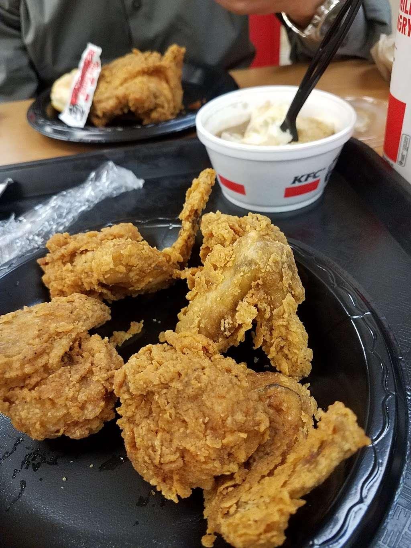 KFC - restaurant  | Photo 10 of 10 | Address: 177 NJ-17, Hasbrouck Heights, NJ 07604, USA | Phone: (201) 426-0380