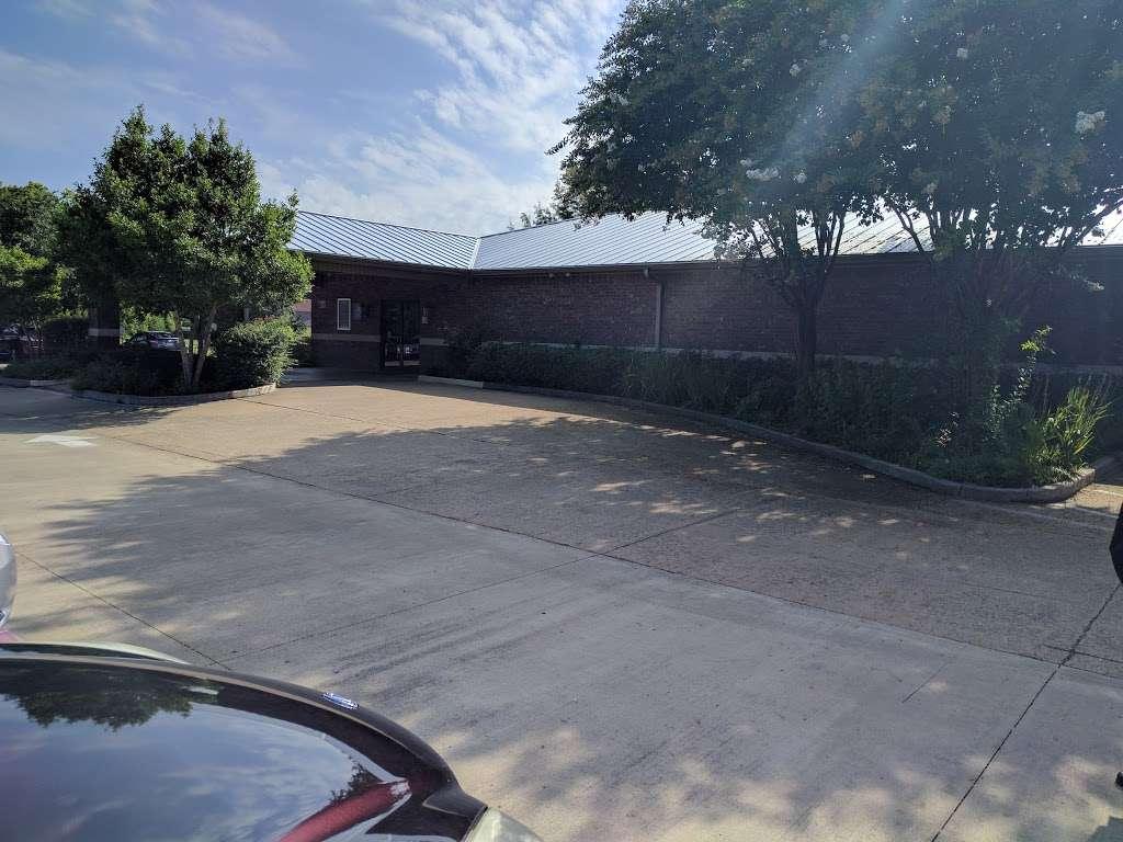 Kingdom Hall of Jehovahs Witnesses - church  | Photo 4 of 6 | Address: 1636 S Uhl Rd, Glenn Heights, TX 75154, USA | Phone: (972) 217-1914