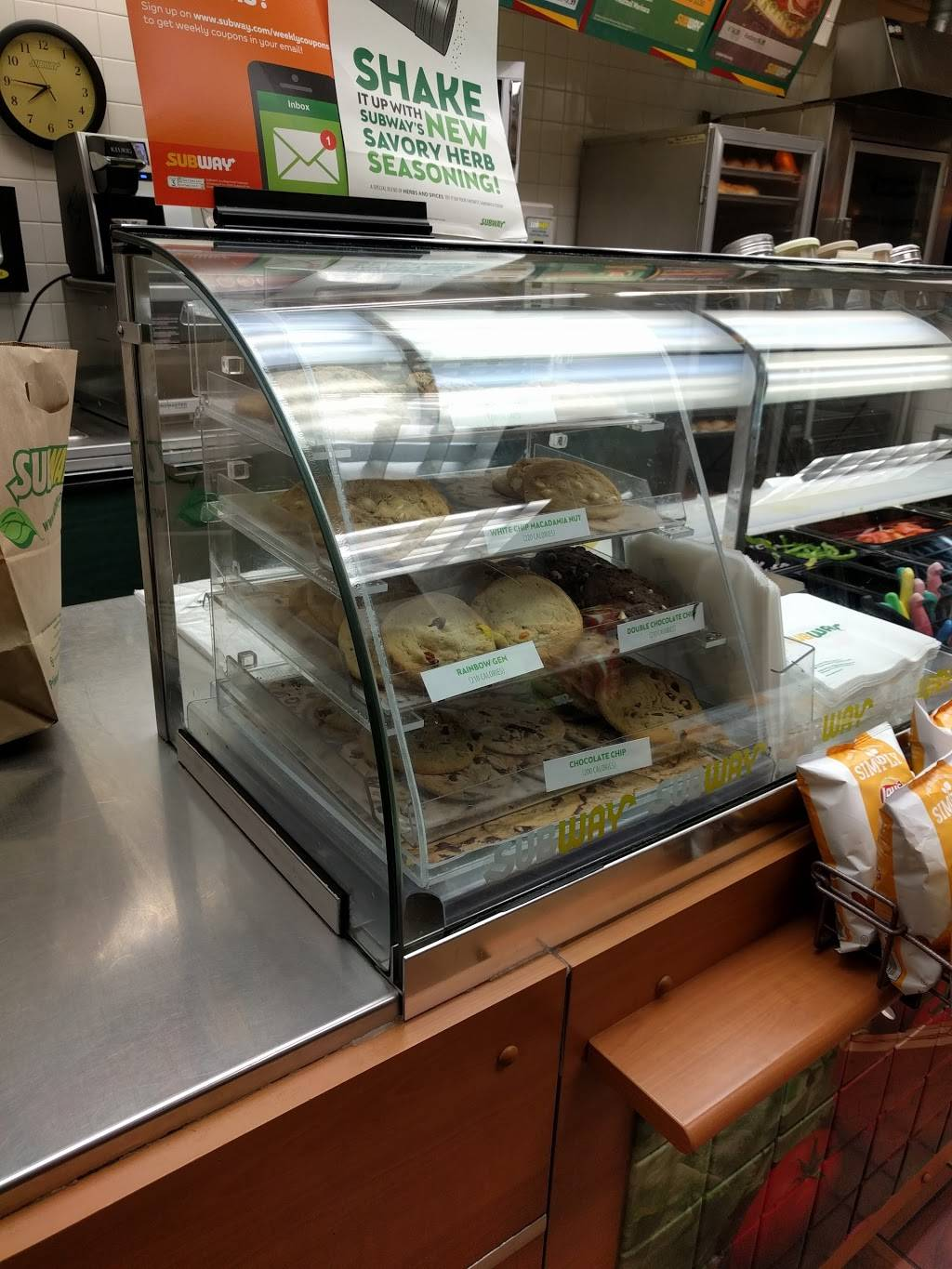 Subway - meal takeaway  | Photo 5 of 10 | Address: 2064 Hastings Ave, Newport, MN 55055, USA | Phone: (651) 458-9999