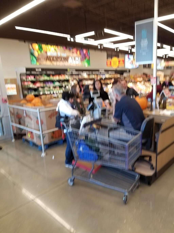 ALDI - supermarket  | Photo 6 of 10 | Address: 1038 N Rohlwing Rd, Addison, IL 60101, USA | Phone: (855) 955-2534