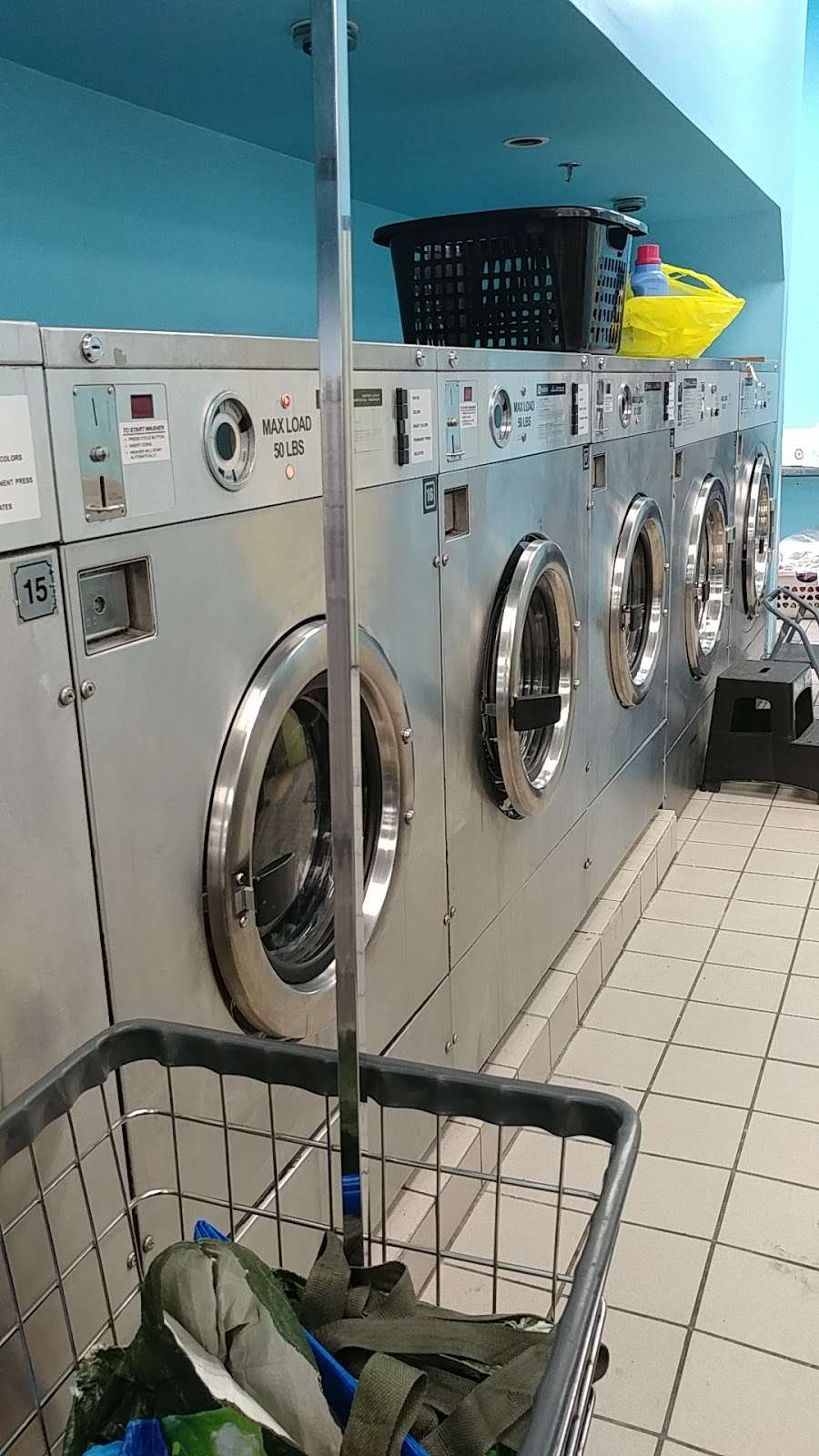 Snow Wash And Cleaners - laundry  | Photo 1 of 5 | Address: 500 S River St, Hackensack, NJ 07601, USA | Phone: (201) 641-3335