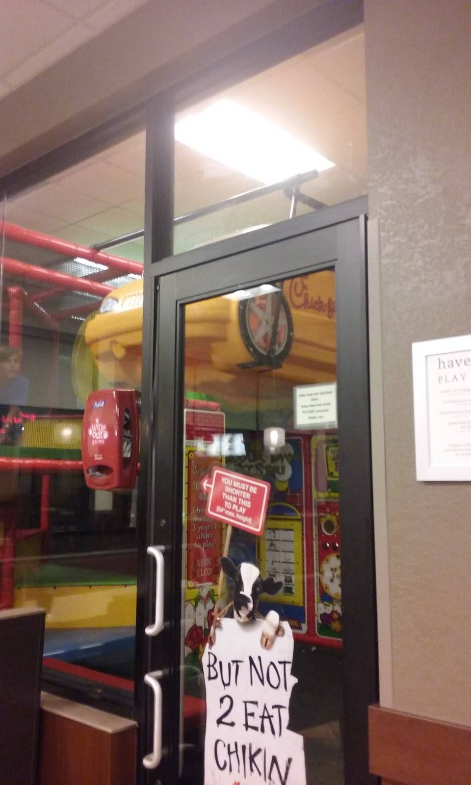 Chick-fil-A - restaurant  | Photo 8 of 10 | Address: 2225 State St, New Albany, IN 47150, USA | Phone: (812) 542-6868