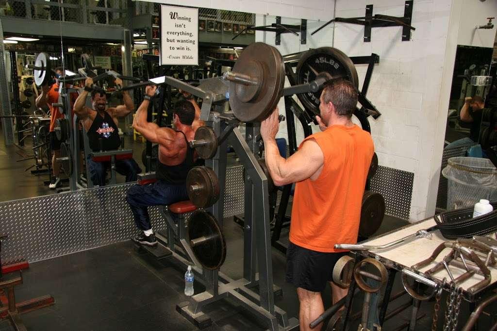 USA Gym INC - gym  | Photo 4 of 10 | Address: 7621 W 100th Pl, Bridgeview, IL 60455, USA | Phone: (708) 598-3846