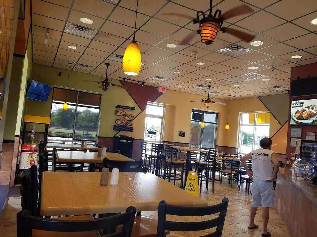 Golden Chick - meal takeaway  | Photo 2 of 10 | Address: 2702 Lavon Dr, Garland, TX 75040, USA | Phone: (972) 905-5160