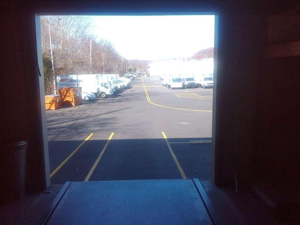 The New Haven Companies, Inc. - moving company    Photo 6 of 9   Address: 6295 Edsall Rd #620, Alexandria, VA 22312, USA   Phone: (703) 823-5516