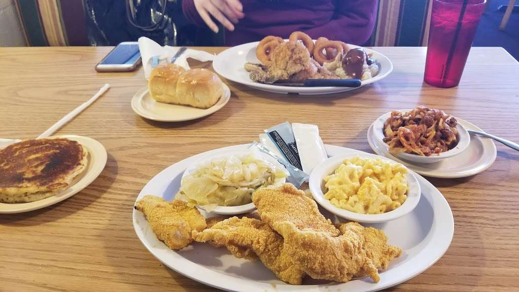 Kings Table Soul Food - restaurant    Photo 6 of 10   Address: 3626, 5932 Prospect Ave, Kansas City, MO 64130, USA   Phone: (816) 444-0779