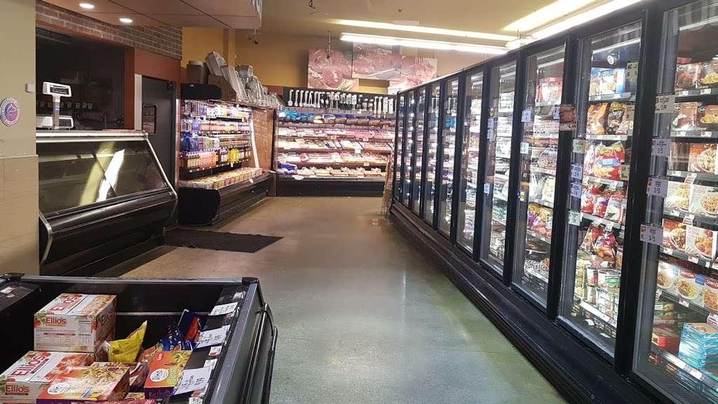 Key Food Supermarkets - supermarket  | Photo 3 of 10 | Address: 155 Bay St, Staten Island, NY 10301, USA | Phone: (718) 442-3537