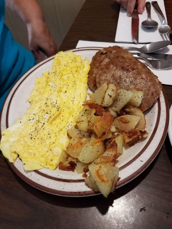 Ma-De-Chat Shop - cafe  | Photo 2 of 10 | Address: 8 Railroad Ave, Milford, NJ 08848, USA | Phone: (908) 995-2980