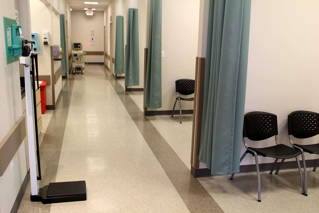 Metromed Urgent Care - Pharmacy   952 Edwards Ferry Rd NE