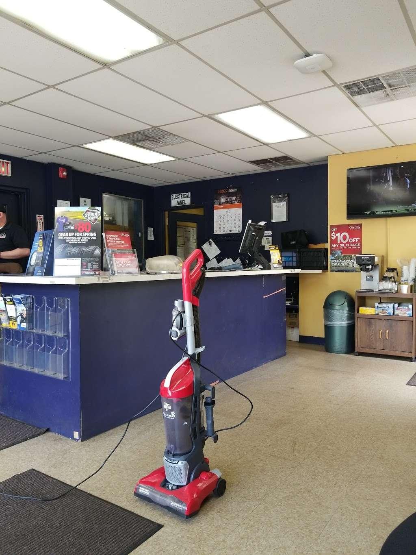 Mr. Tire Auto Service Centers - car repair  | Photo 4 of 9 | Address: 1209 Highway 9 North, Old Bridge, NJ 08857, USA | Phone: (732) 375-1646