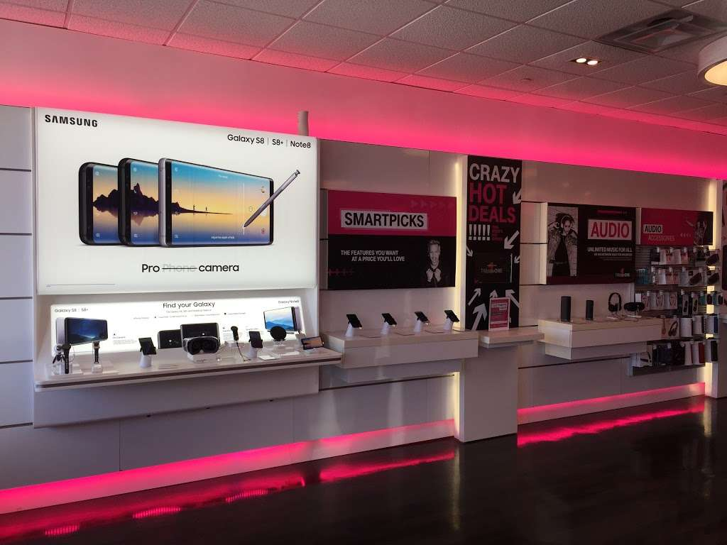 T-Mobile - electronics store  | Photo 6 of 10 | Address: 255 Monmouth St, Jersey City, NJ 07302, USA | Phone: (201) 332-7450