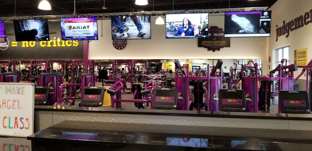 Planet Fitness - gym  | Photo 9 of 10 | Address: 1270 Strongbow Center Dr #200, Valparaiso, IN 46383, USA | Phone: (219) 510-5865