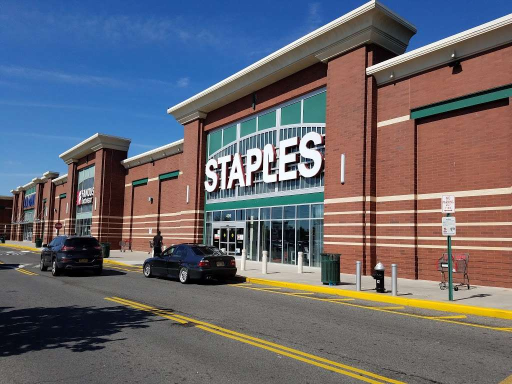 Staples - furniture store  | Photo 8 of 10 | Address: 409 Gateway Dr, Brooklyn, NY 11239, USA | Phone: (718) 348-9477