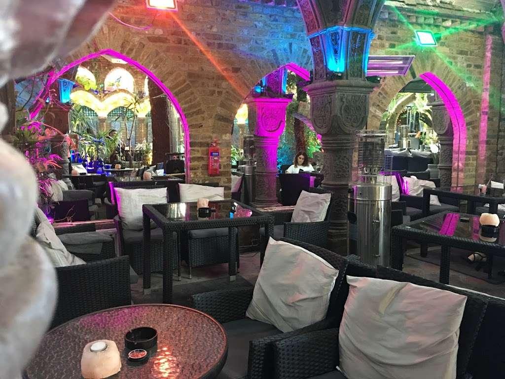 The Shisha Garden - lodging  | Photo 5 of 10 | Address: 88 Whitchurch Ln, Edgware HA8 6QN, UK | Phone: 07402 220098