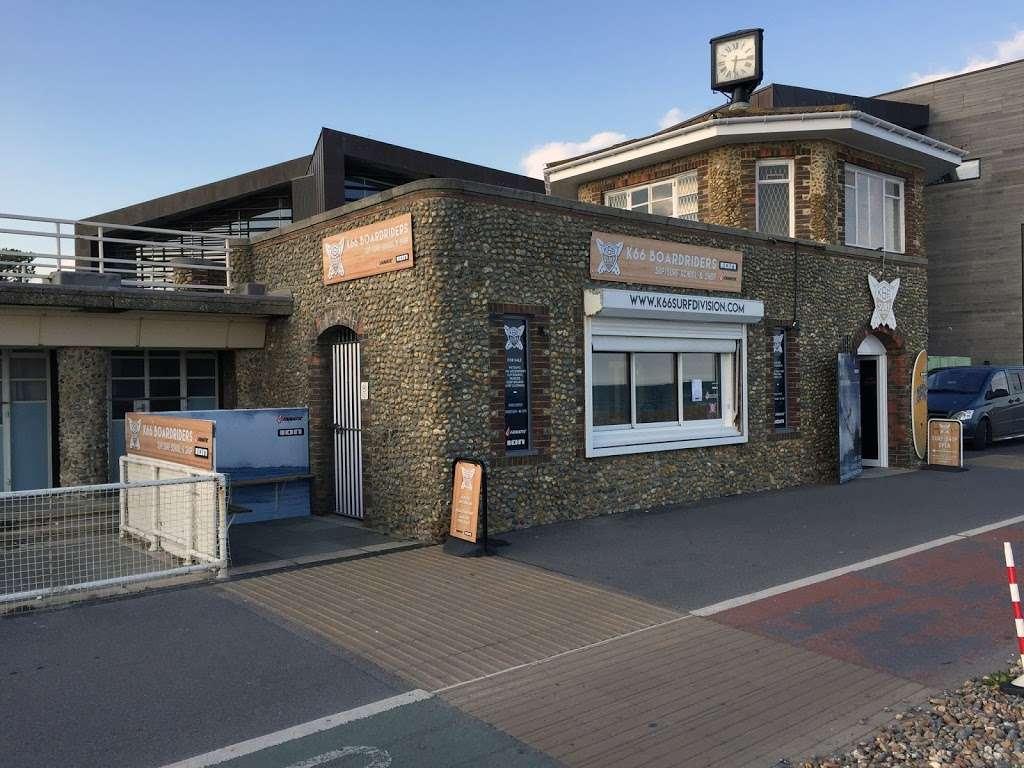 South East Signage - store  | Photo 3 of 10 | Address: 14, Fairlawn Enterprise Park, Bonehurst Rd, Salfords, Redhill RH1 5GH, UK | Phone: 01306 621262