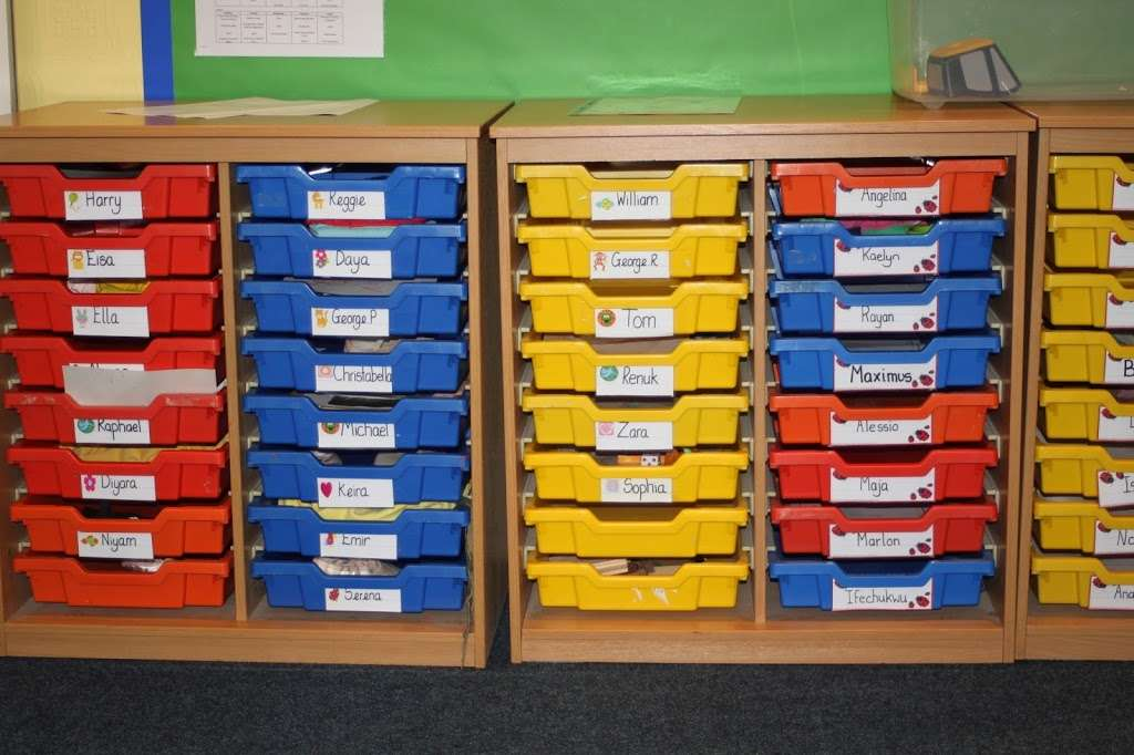 Cedar Park Day Nursery Enfield - school  | Photo 10 of 10 | Address: 50 Hadley Rd, Enfield EN2 8JY, UK | Phone: 020 8367 3800