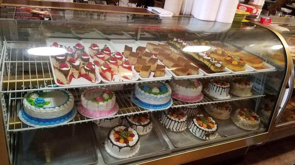 Cafe Con Pan - bakery  | Photo 5 of 10 | Address: 137 Port Richmond Ave, Staten Island, NY 10302, USA | Phone: (347) 352-7098