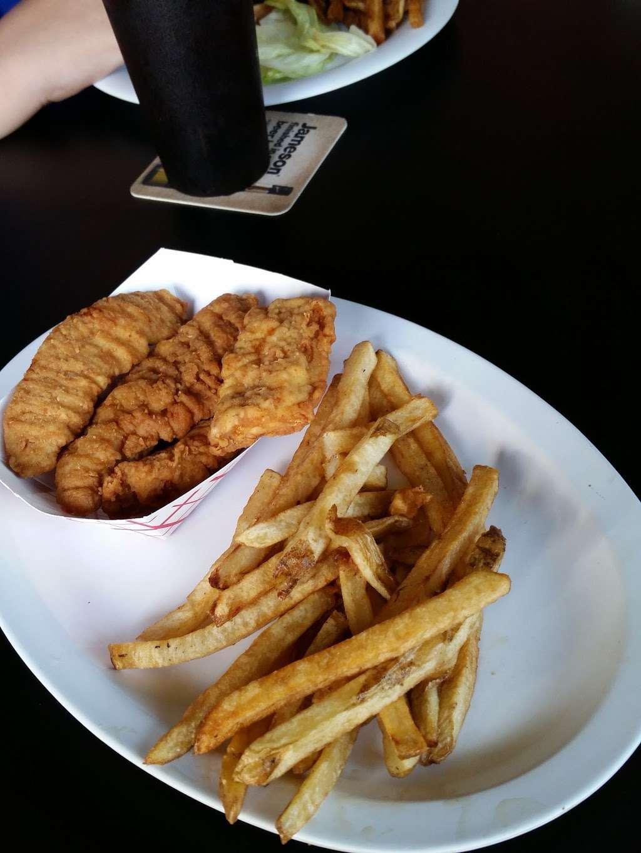 The Wharf - restaurant  | Photo 7 of 10 | Address: 416 B 116th St, Rockaway Park, NY 11694, USA | Phone: (718) 474-8807