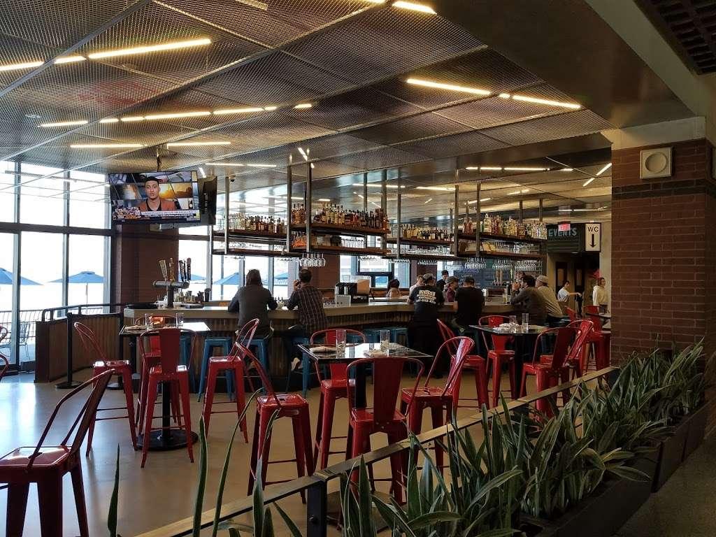 Piggyback Bar - restaurant  | Photo 2 of 10 | Address: 200 Hudson St, Jersey City, NJ 07311, USA | Phone: (201) 345-7775