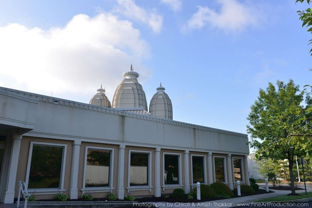Shree Swaminarayan Temple - hindu temple  | Photo 7 of 10 | Address: 200 Penhorn Ave, Secaucus, NJ 07094, USA | Phone: (201) 325-0510
