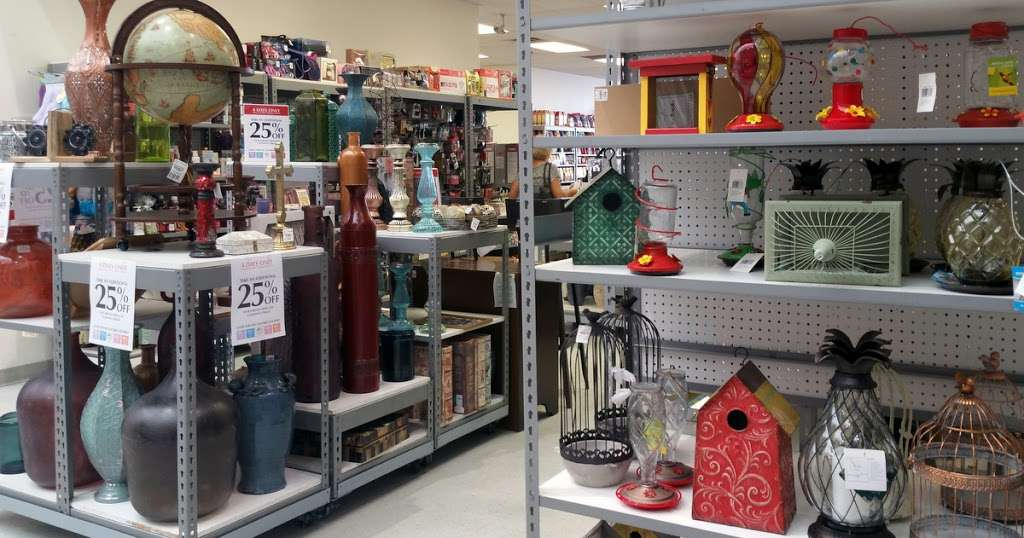 Tuesday Morning - home goods store  | Photo 5 of 10 | Address: 20740 Gulf Fwy, Webster, TX 77598, USA | Phone: (281) 332-8516
