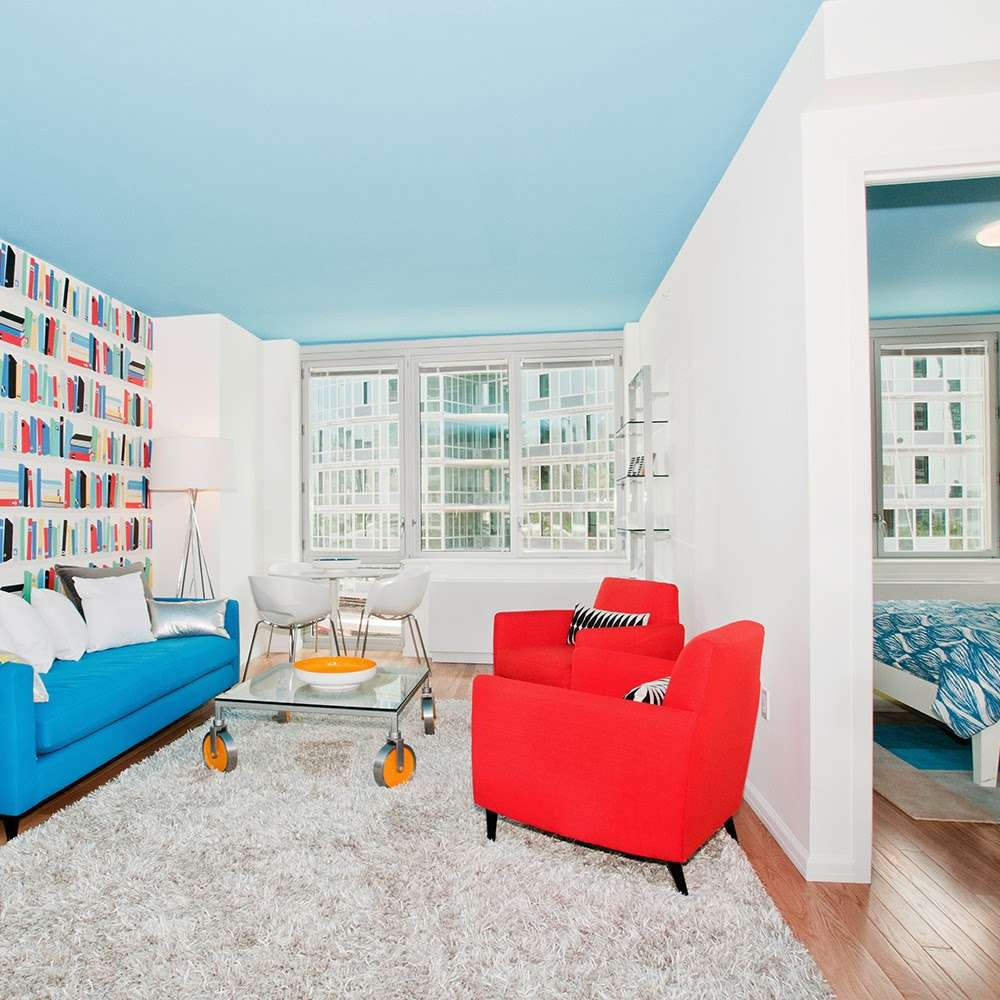 4540 Center Boulevard - real estate agency  | Photo 1 of 10 | Address: 4540 Center Blvd, Long Island City, NY 11109, USA | Phone: (718) 606-9440