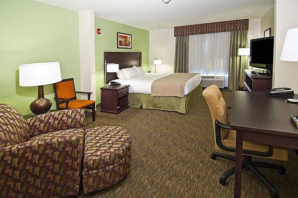 Holiday Inn Express & Suites Oro Valley-Tucson North - lodging    Photo 2 of 6   Address: 11075 N Oracle Rd, Oro Valley, AZ 85737, USA   Phone: (520) 544-2100