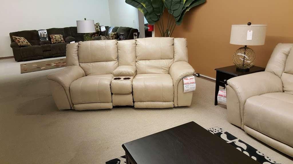 L Fish Furniture - furniture store    Photo 3 of 10   Address: 8401 E Washington St, Indianapolis, IN 46219, USA   Phone: (317) 897-8401
